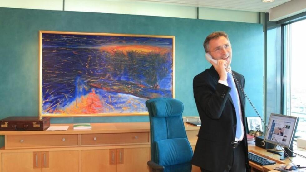 RINGTE OBAMA: Klokka 15:30 ringte Jens Stoltenberg og gratulerte Barack Obama med fredsprisen. Den amerikanske presidenten ser fram til å få prisen i Oslo. Foto: SMK