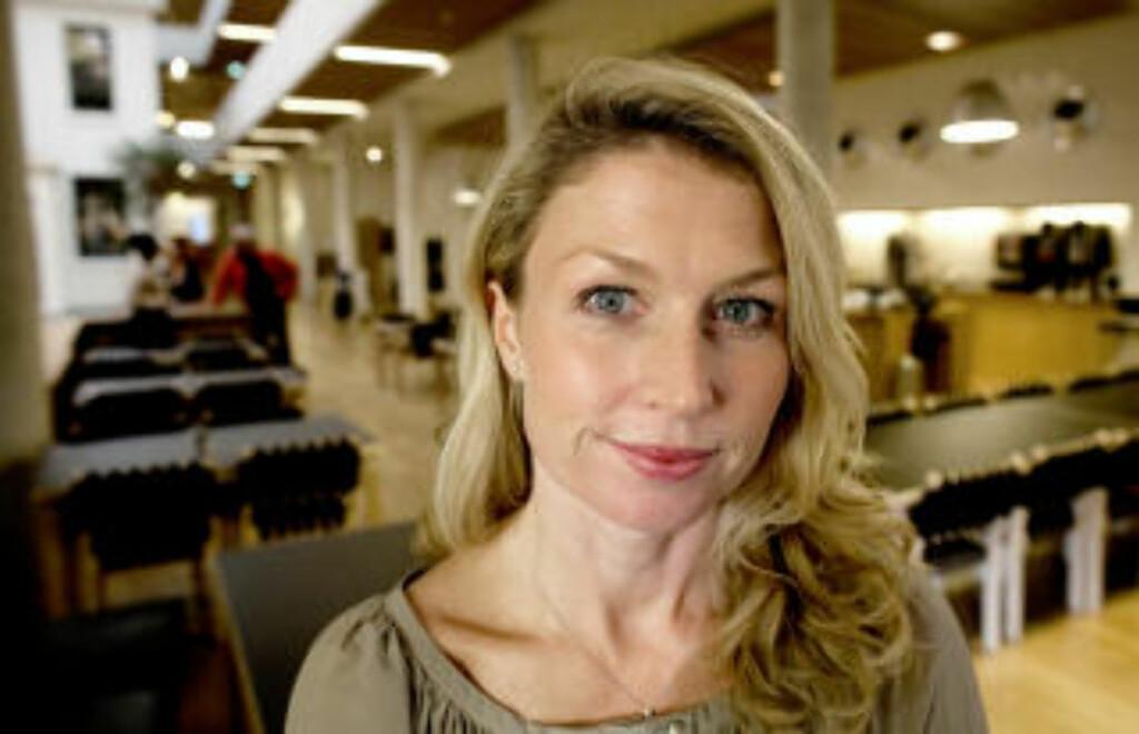 PRISVINNER: Helle Aarnes ble i fjor tildelt Den store journalistprisen for artikkelserien «Tyskerjentene», som i sin tur har dannet grunnlag for boka med samme navn.