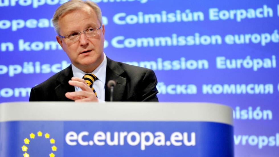 MAKEDONIA SNART KLARE: EUs utvidelseskommissær Olli Rehn sa onsdag at Makedonia nå er klar for å innlede samtaler om medlemsskap med EU. Foto: REUTERS / SCANPIX