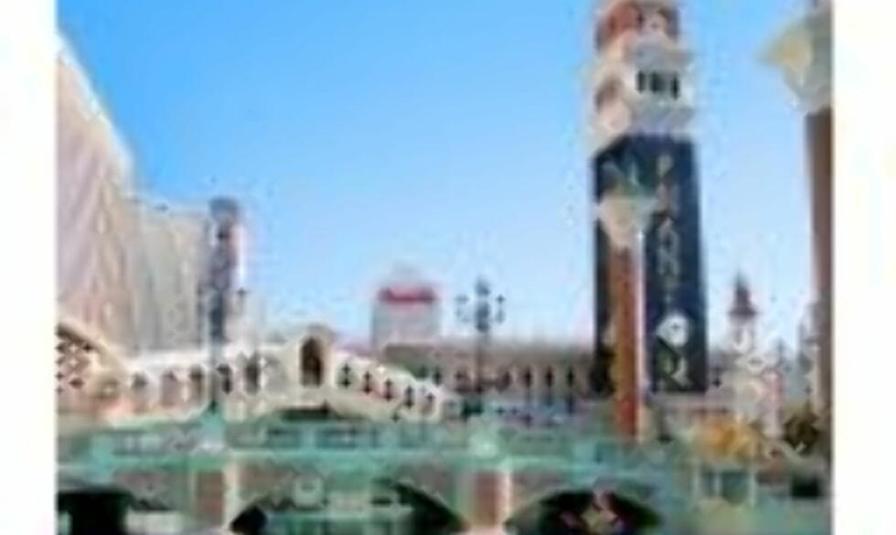 LAS VEGAS: Og slik ser det ut utenfor hotellet The  Venetian, med kopi av Rialtobroa.