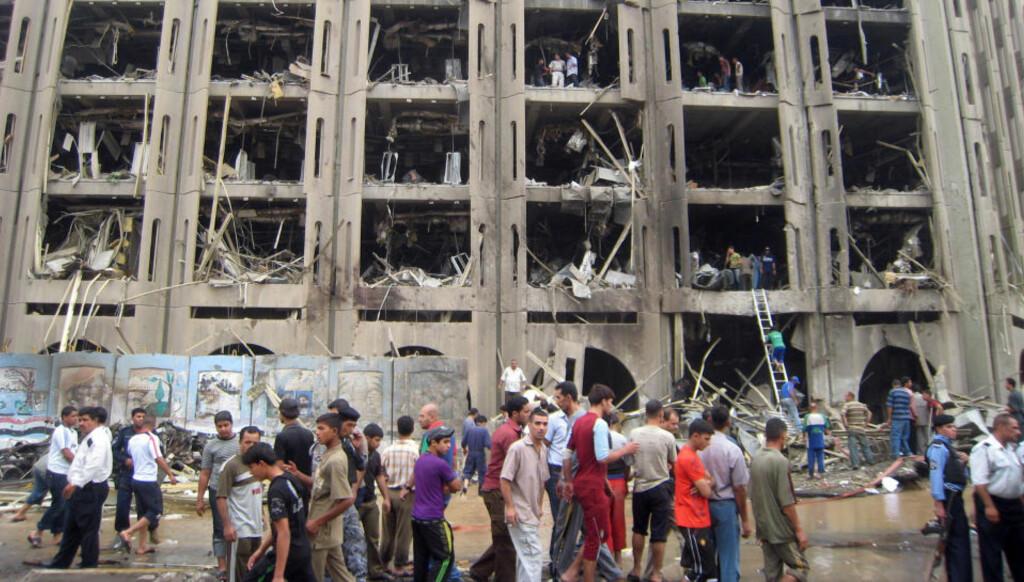 ENORME SKADER Minst 132 ble drept i bombeangrepet, og både justisdepartementet og provinshovedkvarteret fikk voldsomme skader. Foto: AFP/Scanpix