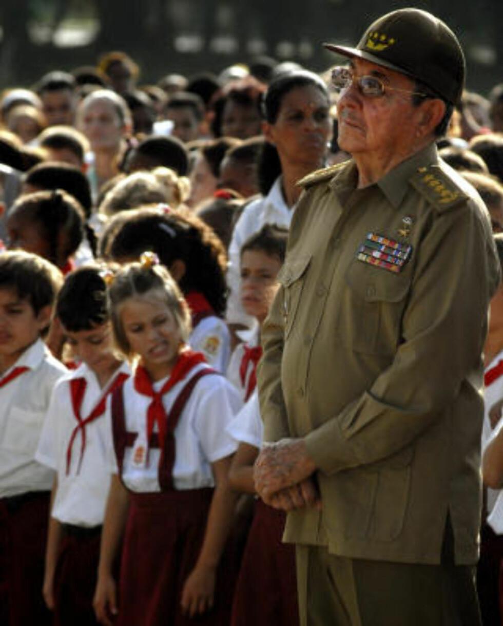 OVERTOK: Styret av den kommunistiske ettpartistaten gikk i arv til Raul Castro da storebroren ble alvorlig syk i 2006, og  tok formelt over som president i februar i fjor da Fidel gjorde det klart at han ikke kom til å fortsette.