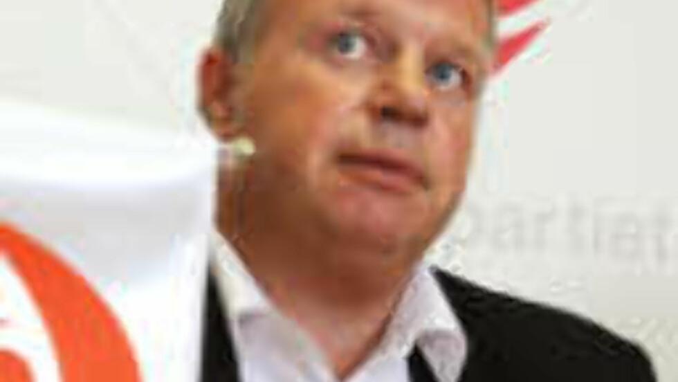 BLIR RÅDGIVER: Helseminister Bjarne Håkon Hanssens karrierebytte er dypt problematisk, mener Dagbladets kommentator.  Foto: Ned Alley / SCANPIX