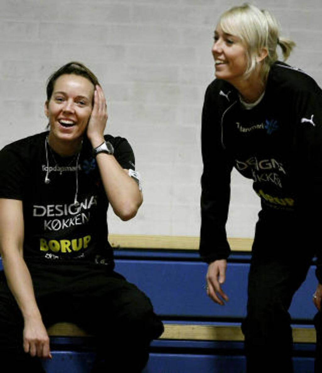 SAMMEN I VM-HÅPET: Tvillingsøster Katrine Lunde Haraldsen håper søsteren blir frisk til VM. Foto: BJØRN LANGSEM