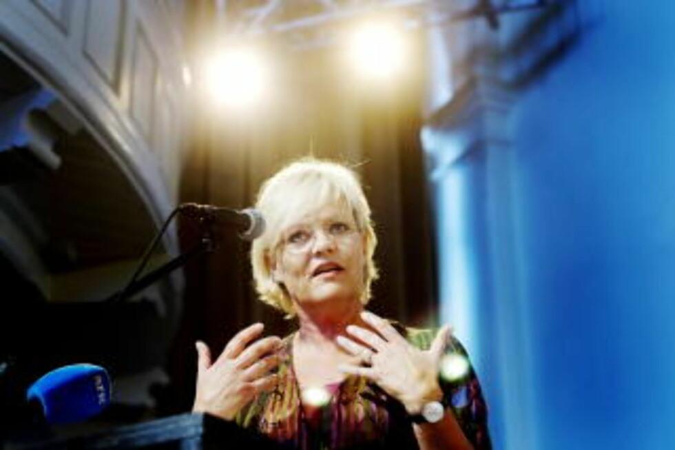 TRENGER MENN: SV-leder Kristin Halvorsen har tatt over Kunnskapsdepartementet. I motsetning til hennes tidligere departement, Finansdepartementet, er menn en mangelvare i departementet for barnehagene og utdanning. Foto: Torbjørn Grønning  / Dagbladet