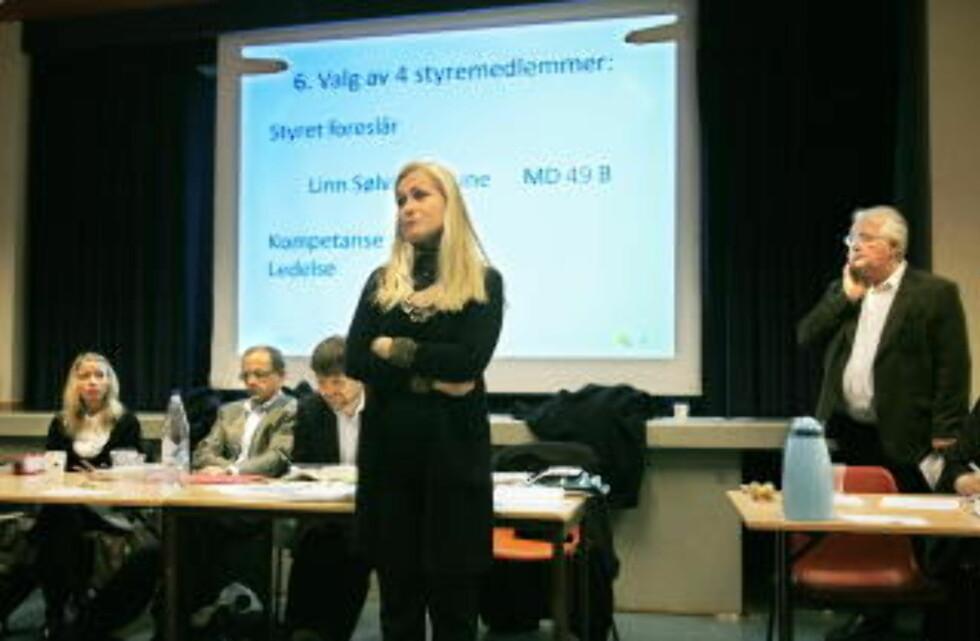 ENDTE I GRÅT:: Generalforsamlingen i 2007 endte i gråt for styreleder Anita Horn. I år hadde hun leid inn sikkerhetsvakter. Foto: Jacques Hvistendahl