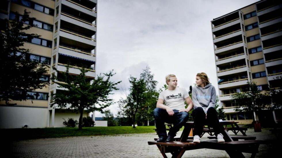 REDDE FOR Å MISTE LEILIGHETEN: Samboerparet Lisbeth Berg og Thomas Haugeland er redd for å miste leiligheten. Foto: THOMAS RASMUS SKOG