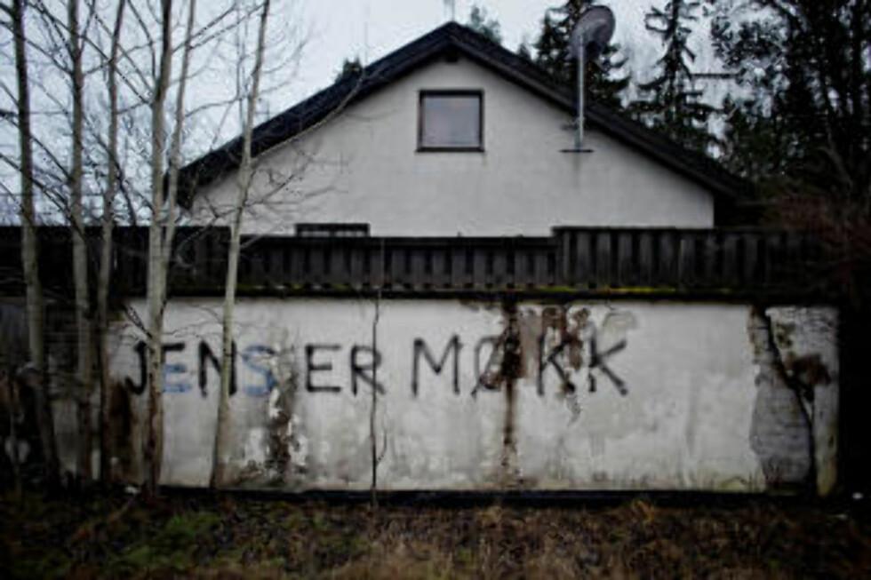HOLE I BUSKERUD: Biodieselavgiften har satt sinnene i kok i innlandskommunene og ellers i Norge. Foto: Krister Sørbø.