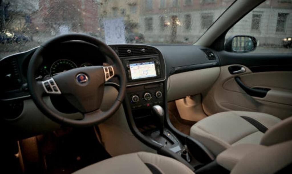 LYSGLIMT: Nye Saab 9-3X XWD er blitt tøffere og mer særpreget og framstår som en mer bekvem og spennende bil enn standardutgaven. Foto: Krister Sørbø