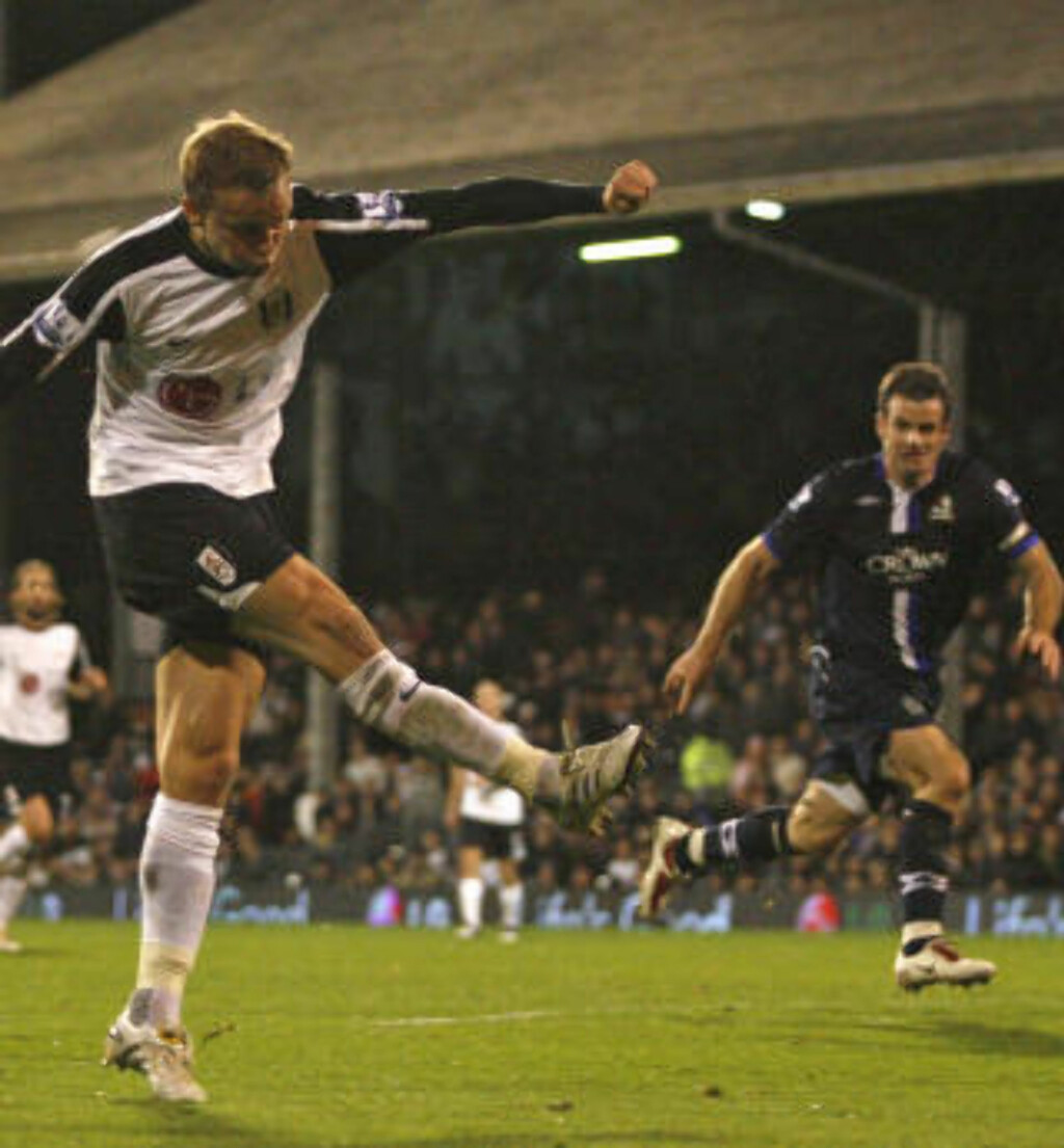 EFFEKTIV: Erik Nevland nettet mot Blackburn. Foto: AFP/IAN KINGTON