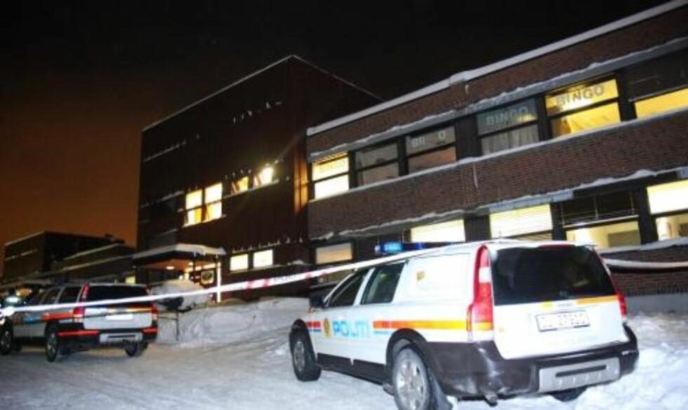 HER SKJEDDE DET: Denne bingoen på Holmlia i Oslo ble ranet i kveld. Foto: Svein Gustav Wilhelmsen