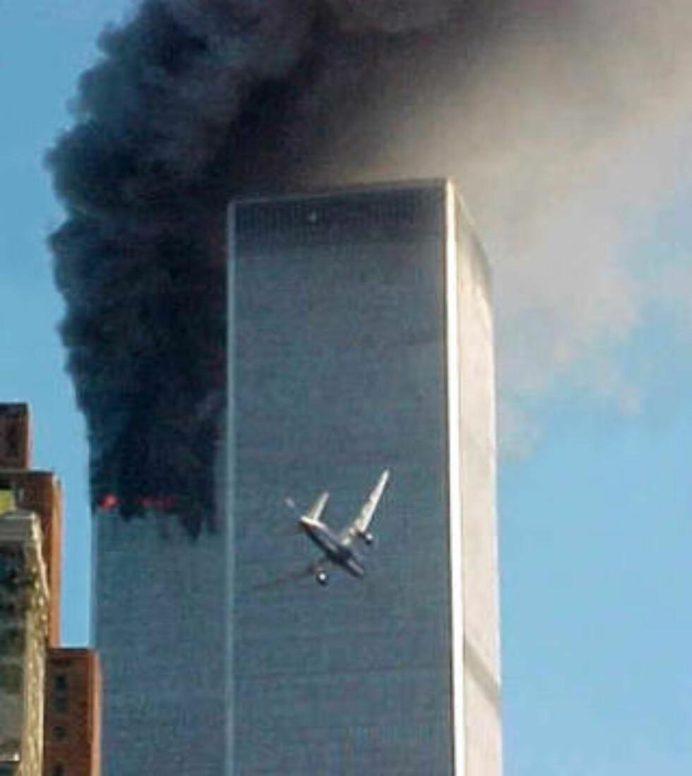 00-TALLET: Mange vil mene at 00-tallet først startet med at en Boeing 767 fløy inn i World Trade Center med en hastighet på om lag 790 kilometer i timen. Foto: SCANPIX