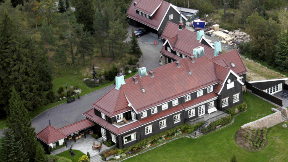 HAGEN-HUS:  Varmepumpen i denne villaen på 1700 kvadratmeter i Holmenkollen er sponset med 180.000 skattekroner - rekordutbetaling fra Enøk-etatens klimafond i Oslo kommune. FOTO: CORNELIUS POPPE, SCANPIX.