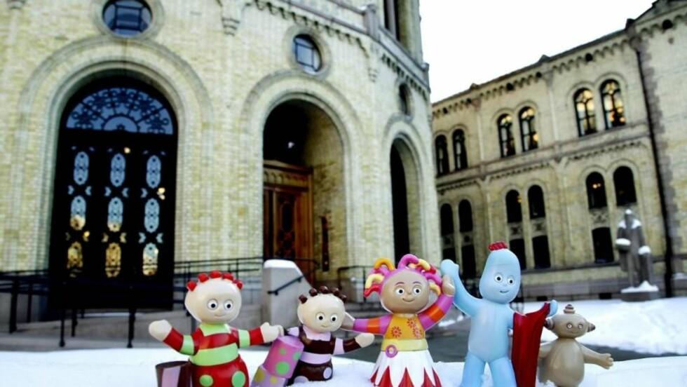 FÅR IKKE HJELP: Hoppsi Deisi og vennene i «Drømmehagen» kommer ikke tilbake til 17.30 på NRK. Foto: Jacques Hvistendahl
