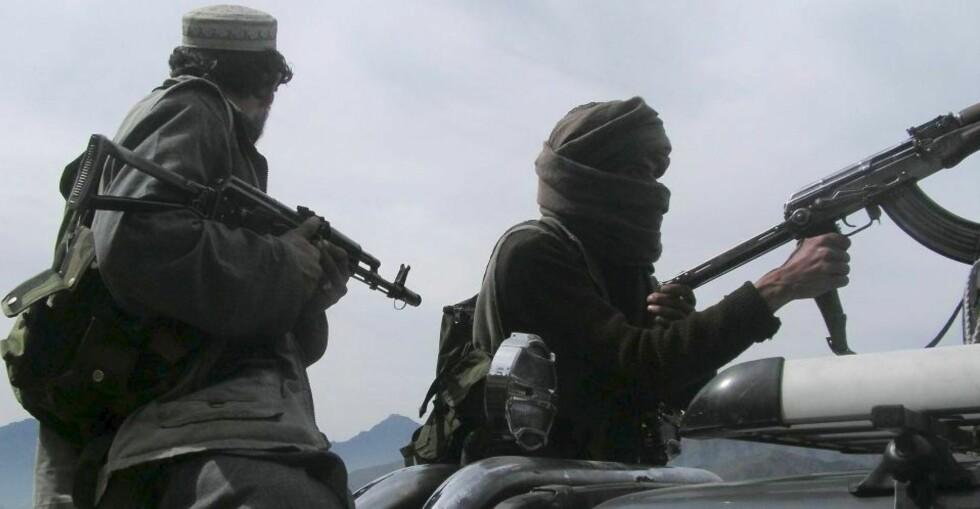 FORTSATT I BUNER:  For snart to uker siden lovet Taliban å trekke seg ut av Buner-distriktet. Meldinger tyder imidlertid på at de fortsatt har kontroll over enkelte områder. Foto: EPA/RASHID IQBAL/SCANPIX