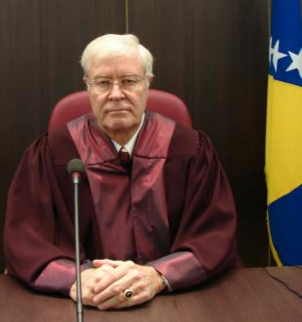 INTERNASJONAL DOMMER: Finn Lynghjem har blant annet vært dommer ved ankedomstolen for krigsforbrytelser i Bosnia og Hercegovina. Foto: PRIVAT