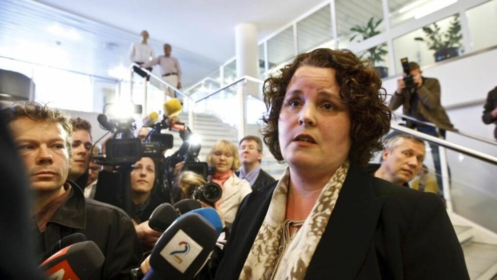 Næringsminister Sylvia Brustad (Ap) holdt i går pressekonferanse, der hun sa at saken nå er løst. Den sveitsiske storbanken UBS har bekreftet at prisen var riktig og handelen skal opp på generalforsamling i Aker SOlutions ASA. Foto: Scanpix