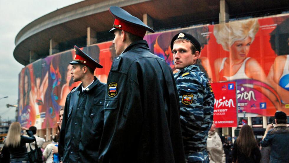STRENGT VAKTHOLD: 8500 politi- og sikkerhetsfolk sikrer Melodi Grand Prix-arrangementet i Moskva. Foto: PÅL NORDSETH