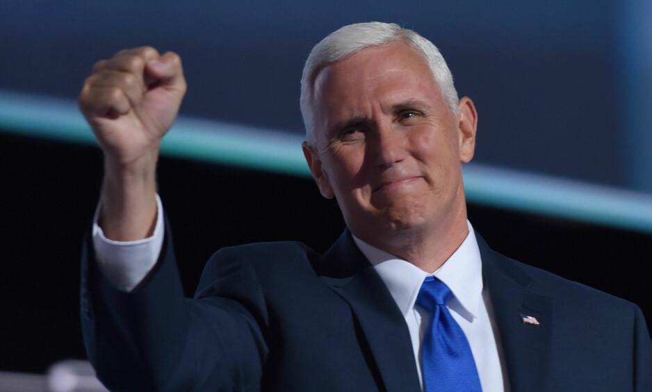 PRO-LIFE: Donald Trumps visepresident Mike Pence, har flere ganger uttalt at han er mot abort. Nå får han haugevis av takkekort fra Planned Parenthood. Foto: Xinhua / sipausa