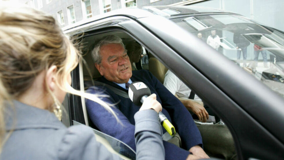 FIKK DEKKET REISEN: David Irvings norgesbesøk ble preget av bråk og demonstrasjoner. Nå vil Coca-Cola ha et møte med TV 2. FOTO: SCANPIX