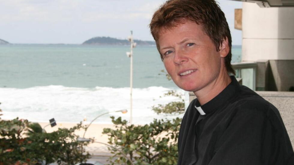 HJELPER PÅRØRENDE: Sjømannspresten i Brasil, Anne Netland, bistår de pårørende etter Air France-ulykken så godt hun kan. Foto: Runa Hestmann Tierno