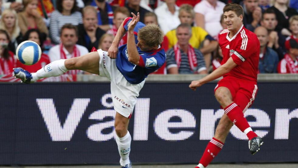 TILBAKE I OSLO: Liverpool og Steven Gerrard møtte Vålerenga i fjor sommer, i august spiller de engelske serietoerne mot Lyn på Bislett. Foto Knut Falch / SCANPIX