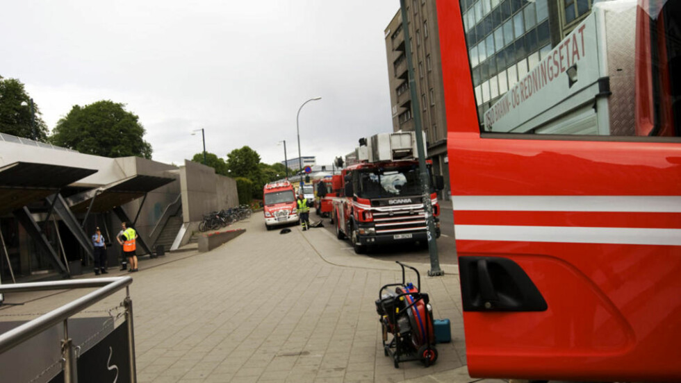 STORUTRYKNING: Oslo brann- og redningsetat rykket ut med store styrker. Foto: TERJE BENDIKSBY/SCANPIX