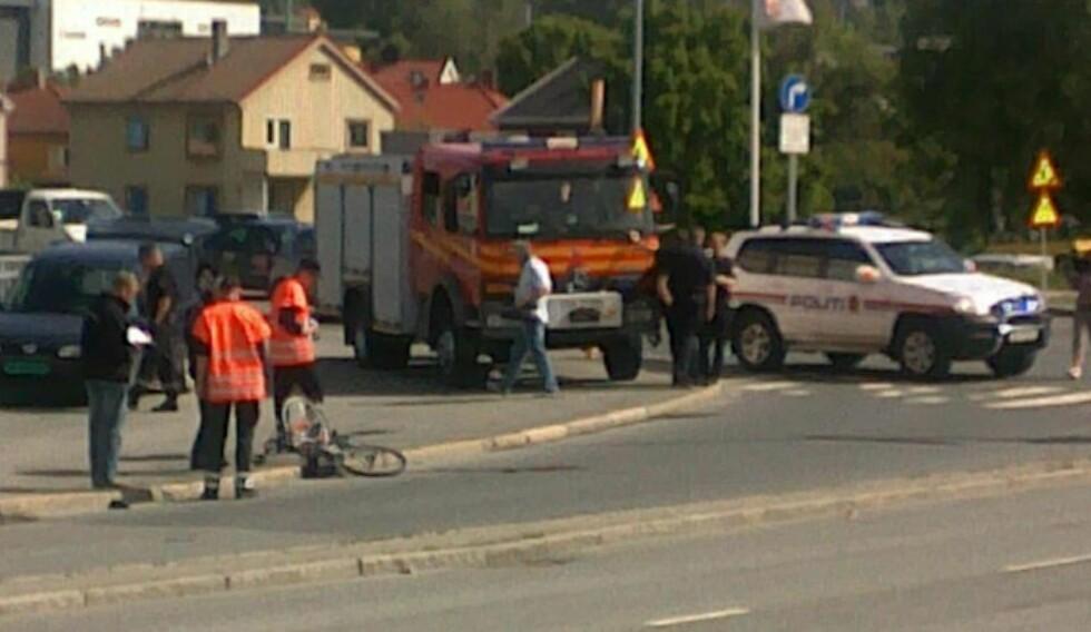 TRUFFET AV LASTEBIL:  En kvinnelig syklist omkom etter en påkjørsel i Trondheim. Foto: Tor Aage Hansen
