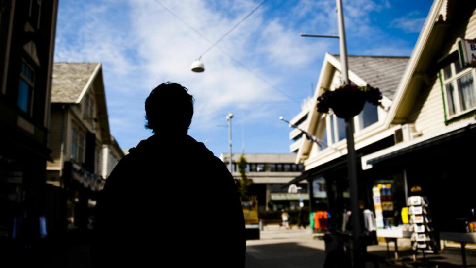TILTALT: Den tiltalte 18-åringen (bildet) har drukket øl med torturofferet (16). Torturofferet sa til ham at han kanskje kunne tilgi, men aldri glemme, det som skjedde. Foto: Håkon Eikesdal