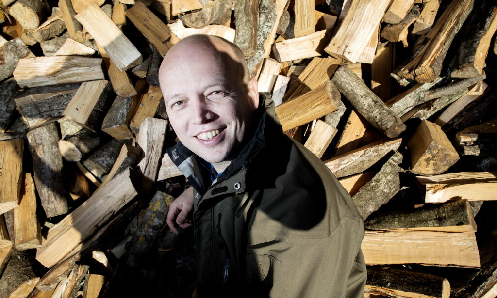 VELGERMAGNET: Trygve Slagsvold Vedum kan smile om kapp med sola etter at Senterpartiet gjør en ny knallsterk meningsmåling. Foto: Tomm W. Christiansen / Dagbladet