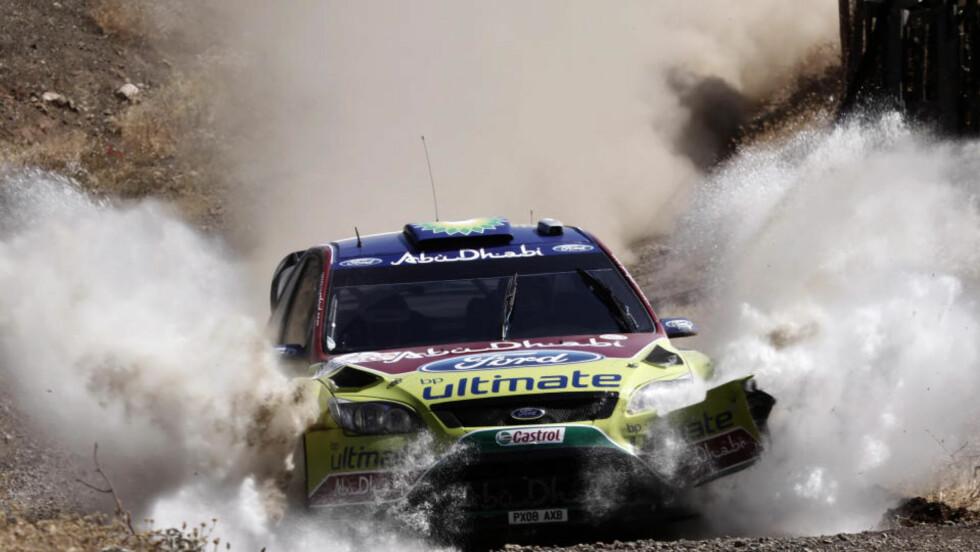 ÅTTENDE SEIER: Mikko Hirvonen tok sin første rally-seier for sesongen, og den åttende i WRC-karrieren. Foto: Petros Giannakouris, AP/Scanpix