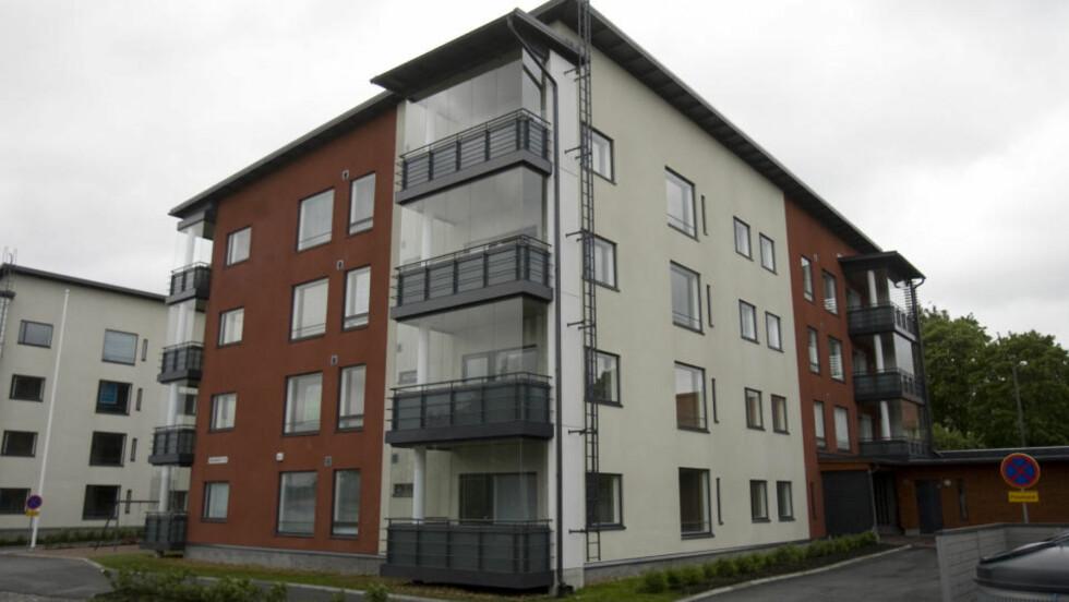 - HOLDT FANGET HER: I en leilighet i denne bygningen i Åbo skal 26 år gamle Minna Nurminen ha blitt holdt fanget i o cirka to uker. Leiligheten ligger cirka en to timer lang kjøretur fra hennes hjem i Helsinki. Foto: ATTE KAJOVA