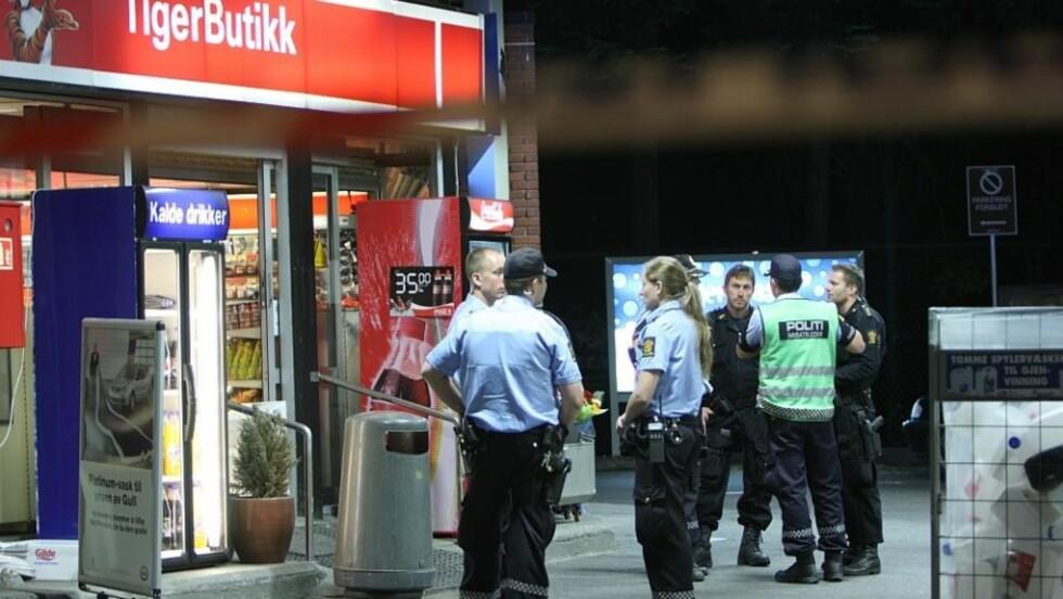BANKET I HODET MED KNIV: En Esso-ansatt ble skadd under et ran i Ullevålsveien i Oslo. Foto: SVEIN GUSTAV WILHELMSEN