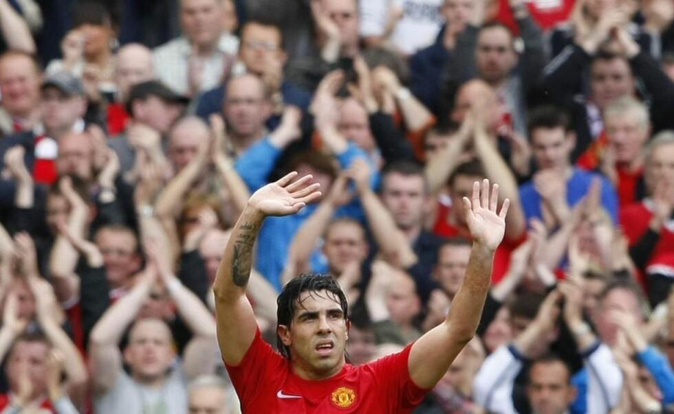 ENDELIG FARVEL: Carlos Tevez hadde problemer med å svare på om kampen mot Arsenal var et endelig farvel med Old Trafford som Manchester United-spiller da han ble intervjuet etter kampen. Det skulle det vise seg å være.Foto: SCANPIX/REUTERS/Phil Noble