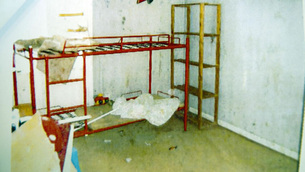 FORFERDELIGE FORHOLD: Barna måtte sove på senger uten madrasser. De fikk ikke lov til å vaske seg eller pusse tenner. Foto: Expressen