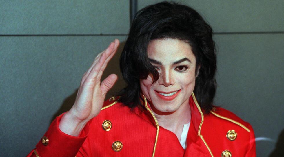 Skriver musikkhistorie etter sin død: Michael Jackson døde 25. juni. Foto: AFP PHOTO / VINCENT AMALVY