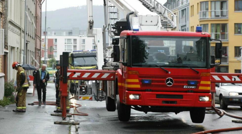 FÆRRE DØDE: Statistikk for første halvår viser at seks færre personer har omkommet i branner i forhold til i fjor. Illustrasjonsfoto: TOM E. ØSTHUUS