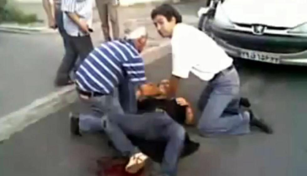 ØYENVITNET: Den 38-årige legen Arash Hejazi var en av de siste personene som så Neda i live. (Foto: Scanpix/Youtube)