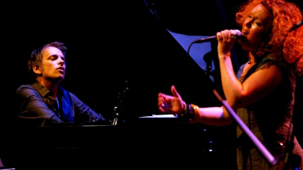 SAMSPILTE: Tord Gustavsen og Kristin Asbjørnsen i aksjon under Kongsberg Jazzfestival. Foto: TERJE MOSNES