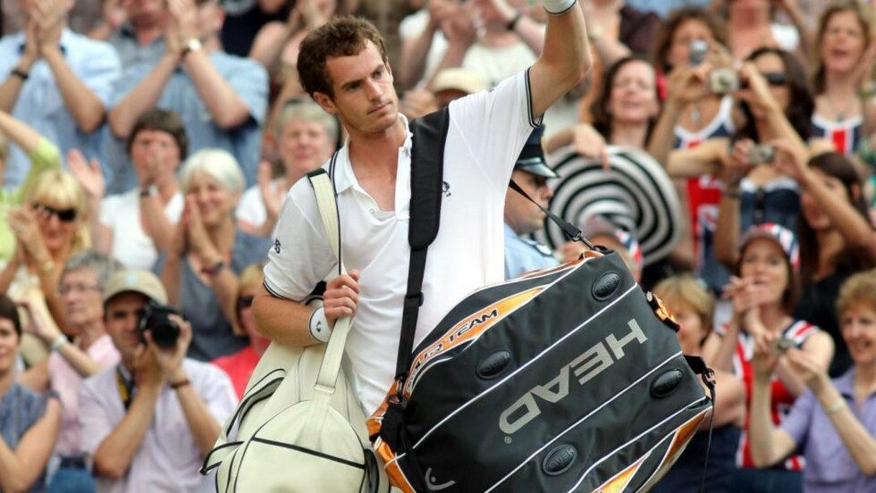 SEMI-TAP: Andy Murray tapte for Andy Roddick i Wimbledon-semifinalen. Foto: EPA/SRDJAN SUKI