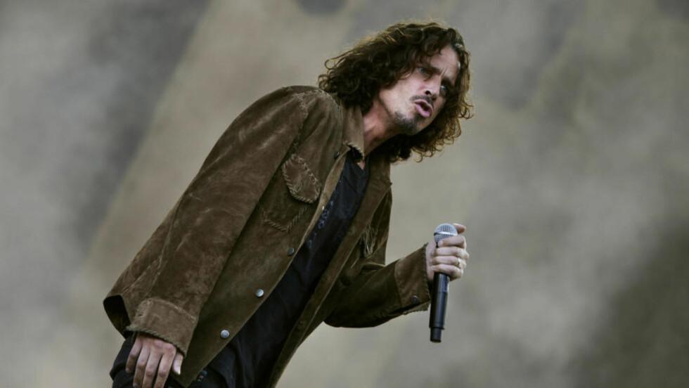 VILJELØS: Det så ikke helt ut som Chris Cornell visste hvilke bein han skulle stå på under sitt Quart-besøk. Foto: Tor Erik Schrøder / SCANPIX