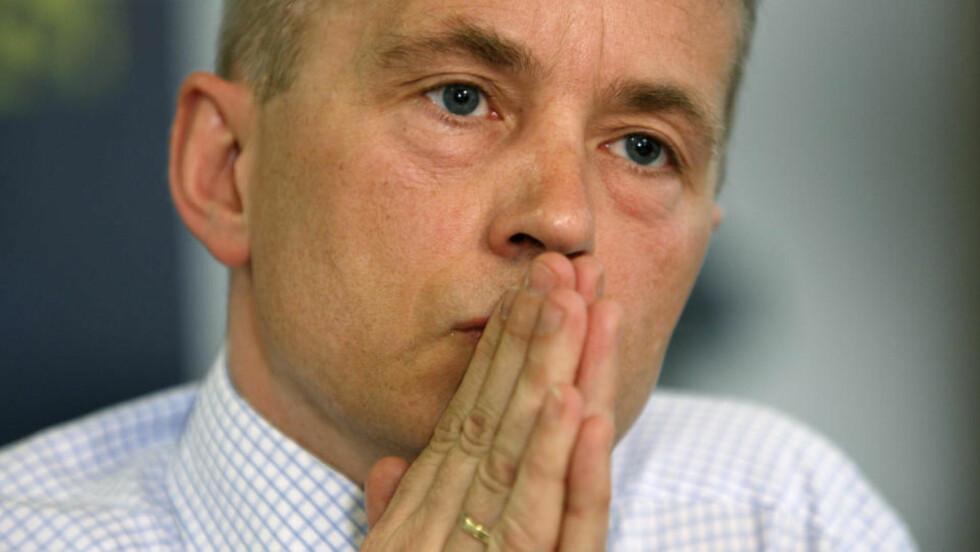 STOPPER ROMAVLYTTING: Justisminister Knut Storberget.  Foto: Lise Åserud / SCANPIX
