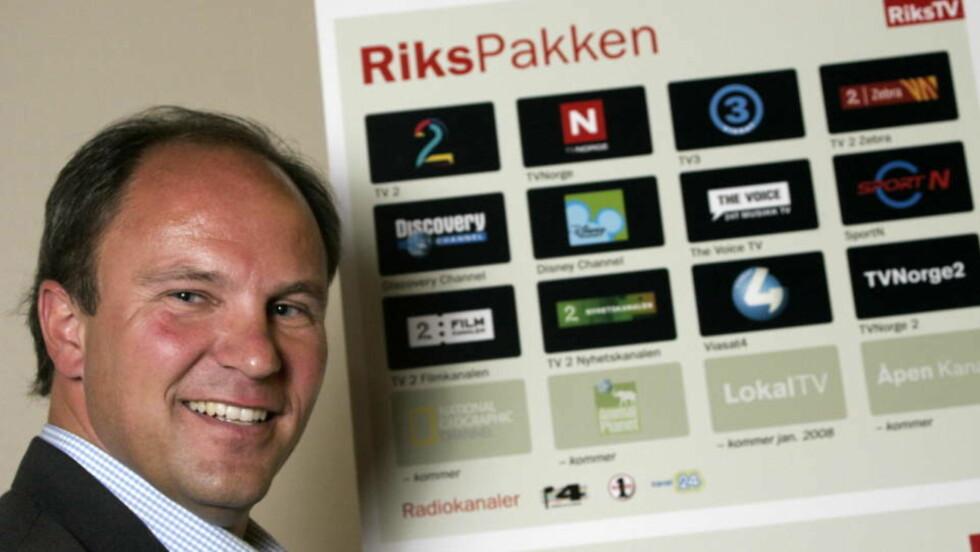 FÅR HOLDE PÅ ALENE: Espen Thorsby og selskapet RiksTV får være alene om å tilby kanaler i det digitale bakkenettet. FOTO: SCANPIX