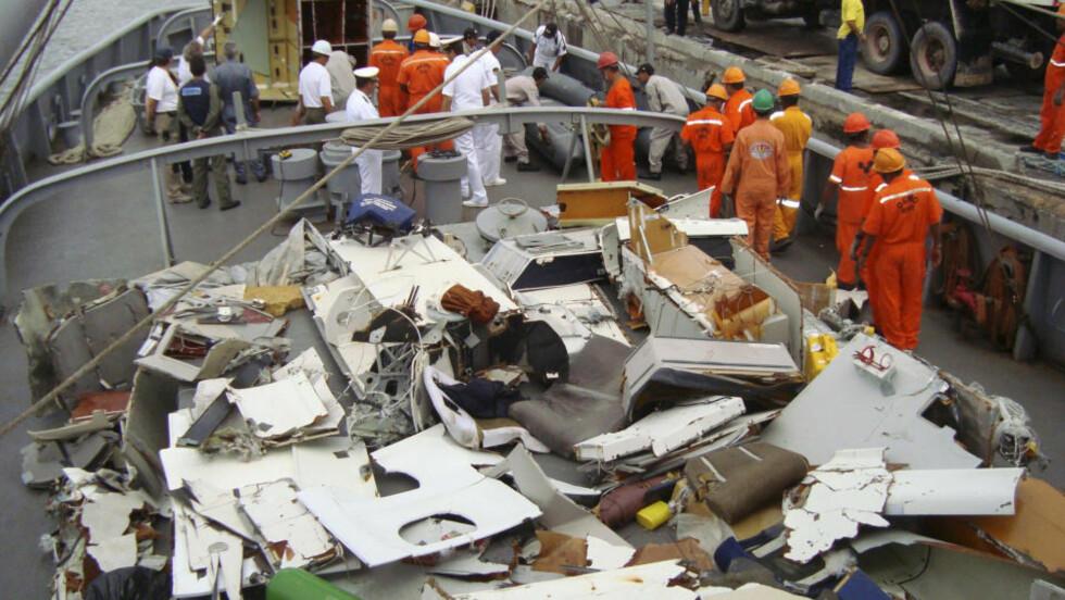 600 BITER: Mer enn 600 biter av Air France-flyet som styrtet i Atlanterhavet er funnet, men den sentrale svarte boksen er fremdeles sporløst forsvunnet. Bitene som er funnet er fraktet til Frankrike. Foto: AP Photo/Brazil's Navy/HO