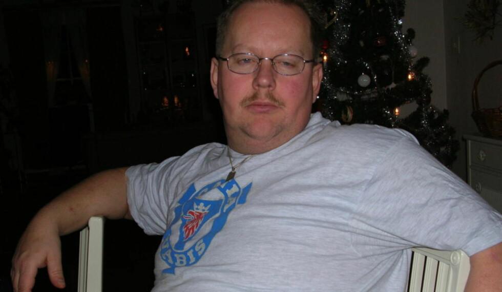 BENEKTER FORHOLD: Anders Eklund (43) sier til Expressen at tobarnsmoren er en stor støtte for ham. Foto: Expressen