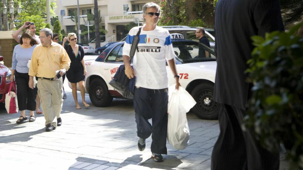 MIDT I BOMBEDRAMA: Inters trener José Mourinho midt i kaoset. Foto: EXPRESSEN.SE