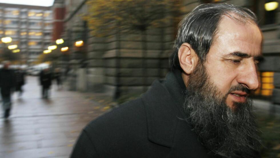 USAKLIG: Mullah Krekar (bildet) får ikke mye sympati av tv-anmelderne etter å ha lagt fram sine synspunkter i et intervju med et amerikansk dokumentarteam. Men hardest går det ut over filmskaperne selv. FOTO: SCANPIX
