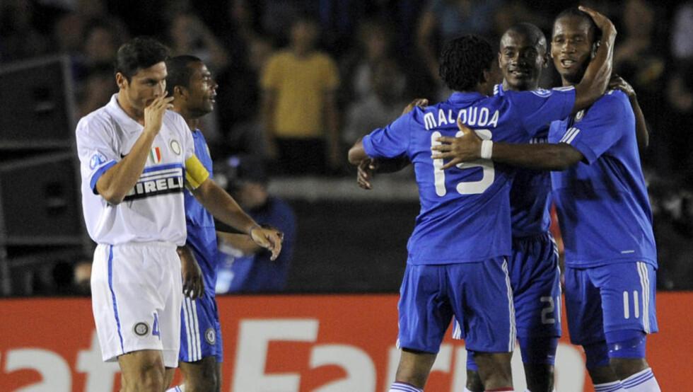 VANT MOT GAMLESJEFEN: Chelsea slo Inter 2-0, etter scoringer av Drogba og Lampard. Foto: Chris Carlson / AP.
