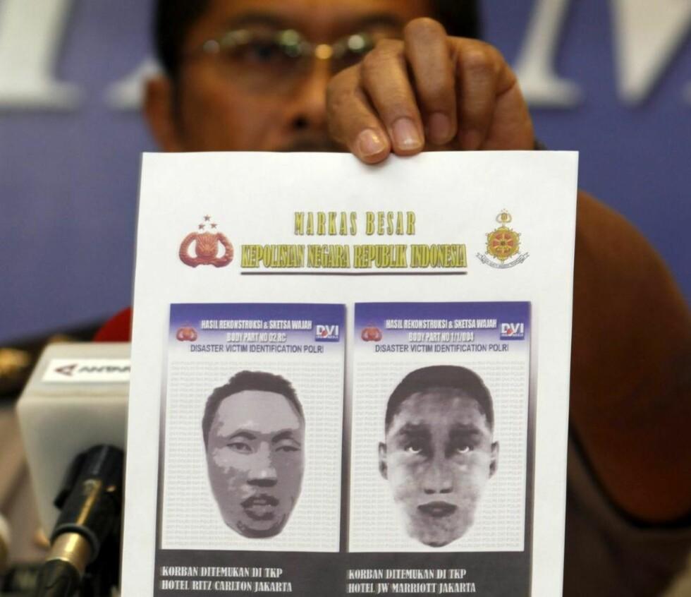 OFFENTLIGGJORT: Slik mener indonesisk politi de to terrormistenkte så ut. Foto: REUTERS/Beawiharta/Scanpix