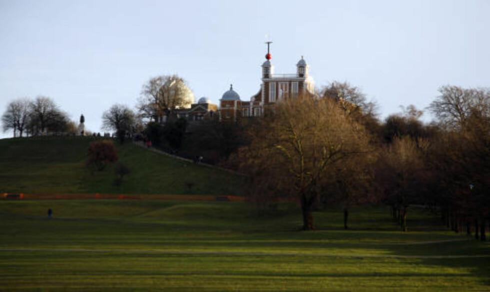IDYLL: Det gamle kongelige observatoriet i Greenwich ligger svært idyllisk på en åsside overfor landsbyen.